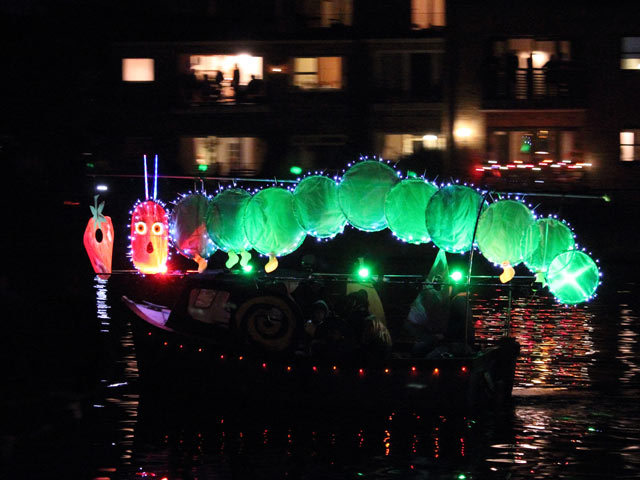 Fest-StIves-Illuminated-Boat-Parade-2016
